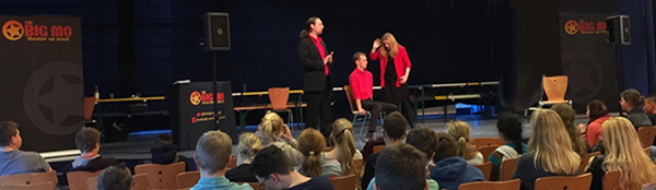 Schooltheater-voorstelling-drugs-alcohol-The-Big-Mo-interactief-theater